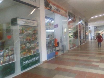Excelente Local En Centro Comercial