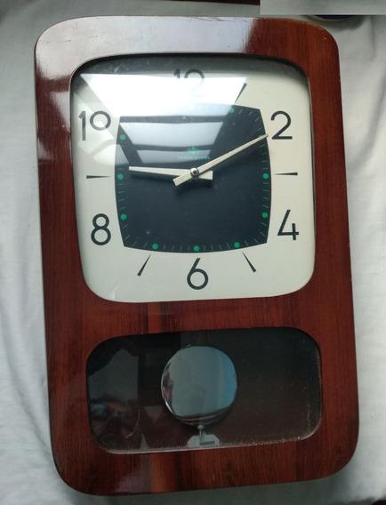 Relógio De Parede Transistora Com Pêndulo