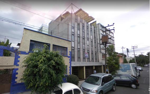 Departamento En Venta En Col. Del Carmen