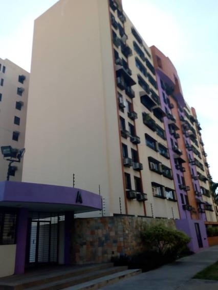 Apartamento En Base Aragua / Marelys Valero