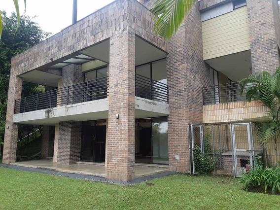 Casa En Medellín - El Poblado