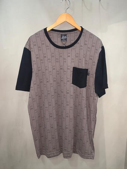 Camiseta T-shirt Lost Especial Risca
