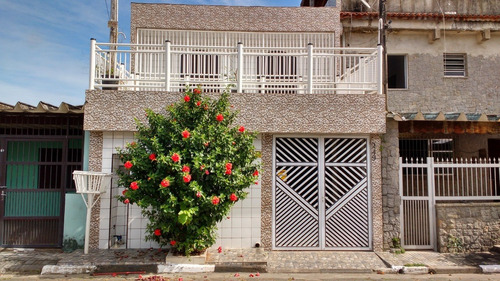 Imagem 1 de 14 de Sobrado 3 Quartos, 1 Suítes,4 Vagas De Garagem  #806
