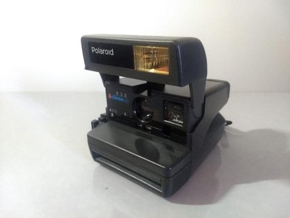 Câmera Vintage Retrô Polaroid 636 Closeup Instantânea