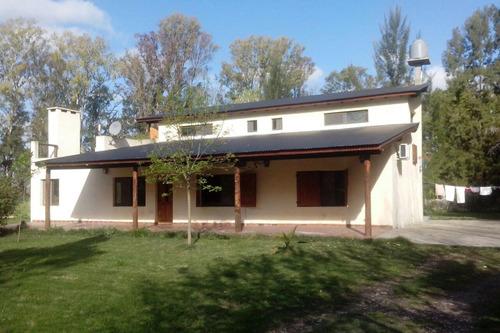 Casa Venta 4 Dormitorios , 3 Baños Y Pileta - Terreno 57 X 50 Mts - 2850 Mts 2 - Barrio Las Golondrinas