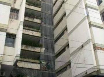 Apartamentos En Venta Maracay 04121990156