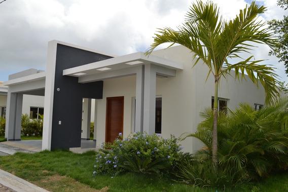 Grandiosa Casa De 2 Niveles En Punta Cana