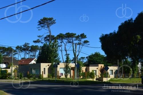 Casa En Pinares, 4 Dormitorios *- Ref: 42750