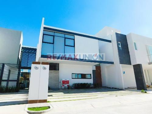 Casa Nueva Viña Antigua