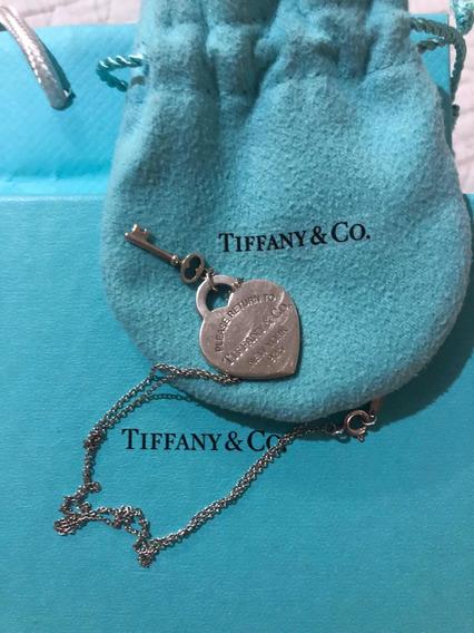 Colgante Tiffany & Co.con Corazón Y Llave En Plata