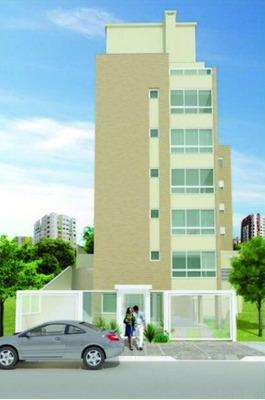 Apartamento Em Petrópolis Com 2 Dormitórios - Rg1562