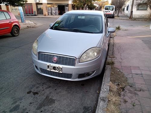 Imagen 1 de 9 de Fiat Linea 1.9 Essence Dualogic 2010