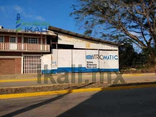 Rento Bodega 350 M² Col. Ampliación Rodriguez Cano Tuxpan Veracruz . La Bodega Cuenta Con Un Frente De 36 M² Y Una Profundidad De 31.50 M², Tiene 2 Oficinas Pequeñas Y 1 Baño Completo, Con 2 Entradas