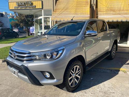 Toyota Hilux 2.8 Cd Srx 177cv 4x4 At 2016  2234003316