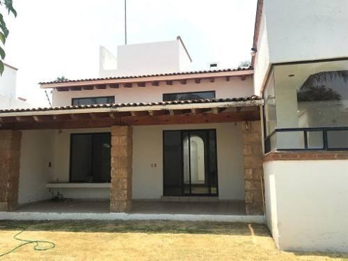 Casa En Renta De Un Piso Hermosa Y Muy Amplia