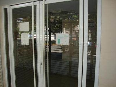 Oficinas En Alquiler Este Barquisimeto 20-7238 Rg