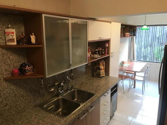 Apartamento En La Urb Miranda Caracas Venezuela