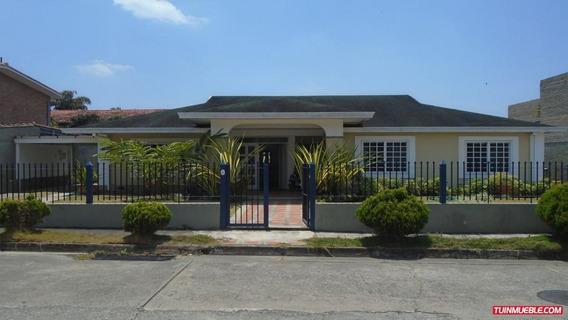 Casa En Venta - Lomas De La Lagunita - Hc A235