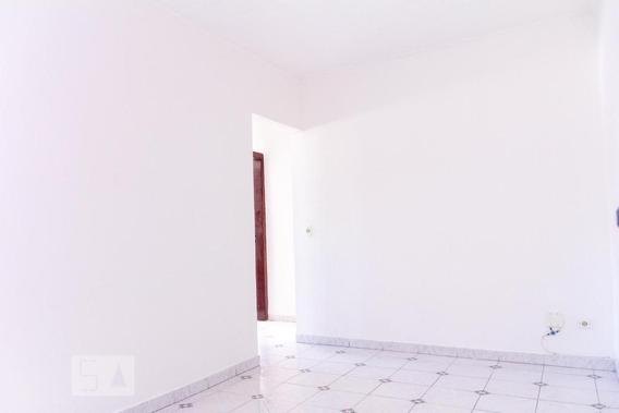 Apartamento No 1º Andar Com 2 Dormitórios E 1 Garagem - Id: 892970712 - 270712