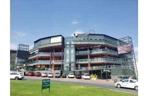 Local En Renta En Trendy Plaza Ideal Para Tiendas De Prestigio Planta Alta. / Local / Local En Renta / Local Comercial / Local Comercial En Renta / Ubicado En Trendy Plaza / Trendy Plaza / Cerca Del