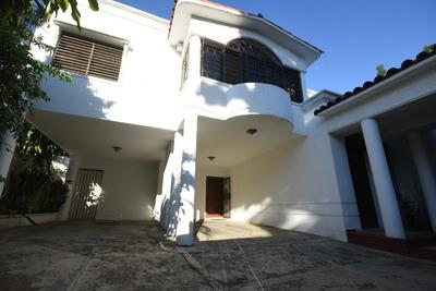 Excelente Casa En Arroyo Hondo Viejo