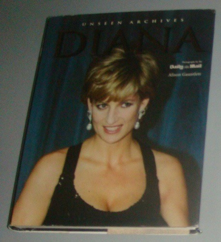 Livro Diana ( Lady Di ) - Unseen Archives ( Inglês )
