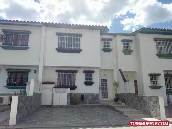 Townhouses En Venta 19-15207 Valle Camoruco Mz 04244281820