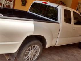 Toyota Tacoma 09 , 809-666-4454