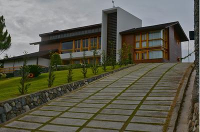 Villa Lujos De Venta En Las Lomas De Jarabacoa.