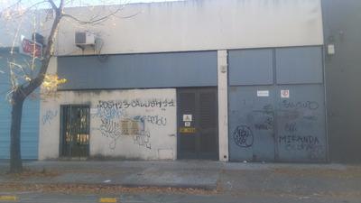 Alquiler/venta S/ Hocquat Local Industrial Con Oficinas