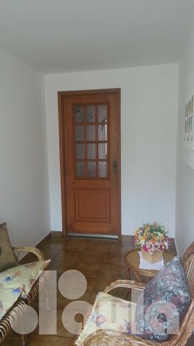 Amplo Sobrado Com 3 Dormitórios Em Excelente Localização 2 V - 1033-9985