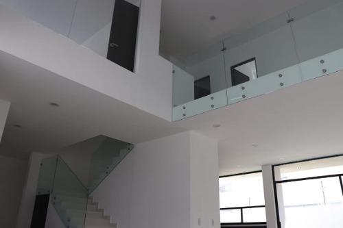 Hermosa Casa En La Condesa Juriquilla, Doble Altura Y Roof G