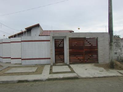 Casa Com 03 Dormitórios Sendo 1 Suíte Na Praia De Itanhaém.