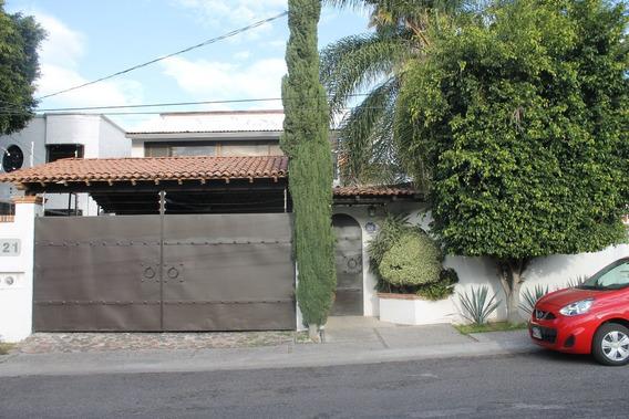 Se Renta Amplia Y Hermosa Casa En Juriquilla.