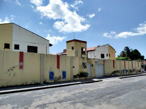 Casa Comercial Ou Residencial - 2 Quartos, Garagem