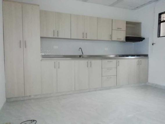 Casa En Venta 92 M2, En Castilla, Medellin