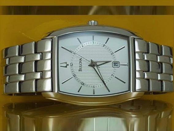Relógio Bulova 96b121 Original, Caixa Tonneau Prata Com Data