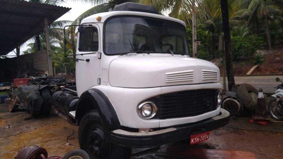 Caminhão Mercedes Benz 1113 Branco