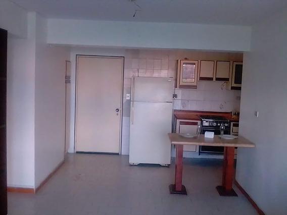 Apartamento Tipo Estudio En Res. Isla De Plata. Lema-436
