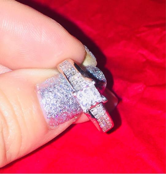 Anillo De Diamantes Corte Princesa En Oro Blanco De 14k