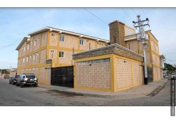 Hotel En Tucacas, Oportunidad De Inversión