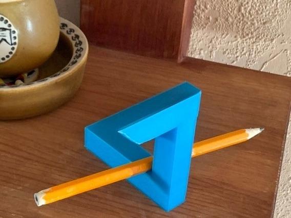 Triângulo De Penrose Ilusão Ótica Mágica 3d Pegadinha Angulo