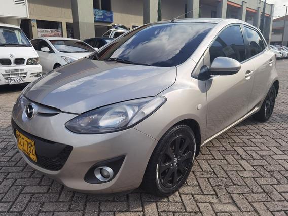 Mazda 2 Automático 2013
