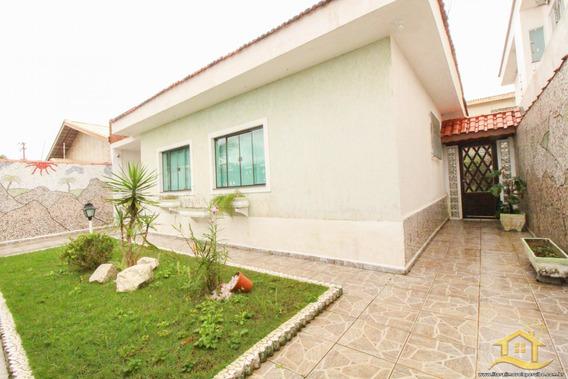 Casa No Bairro Ribamar Em Peruíbe - Lcc-3255