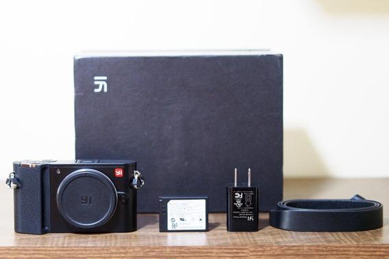 Cameral Digital Mirrorless Xiaomi Yi-m1 (defeito)