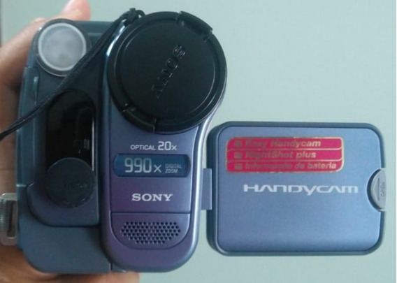 Filmadora Analógica Sony Handycam Video Hi8 Ccd Trv-128