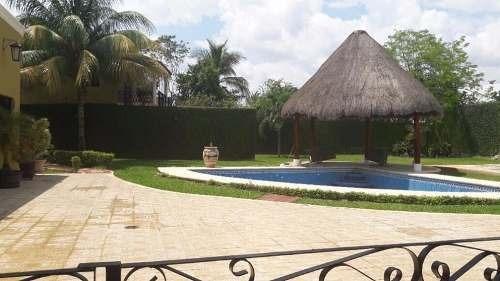 Hermosa Residencia Con Amplio Terreno Y Piscina