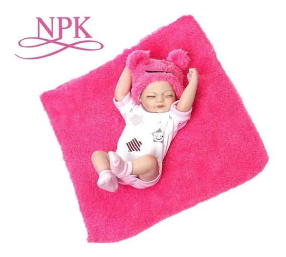 Muñeca Bebé Recién Nacida De Silicona Npk Con Manta Y Ropa