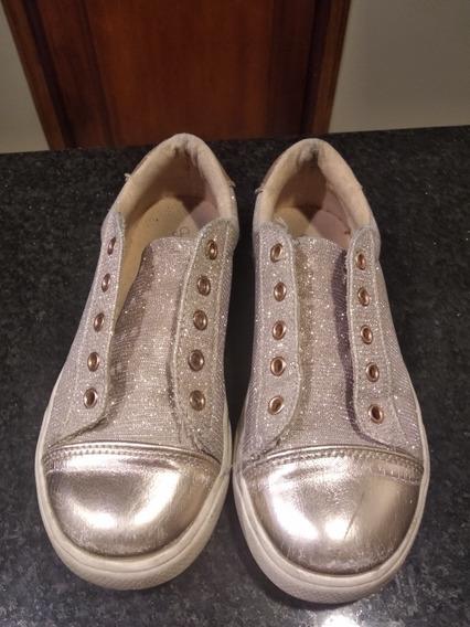 Vendo Zapatillas Con Brillos Dorados Para Nenas Numero 31