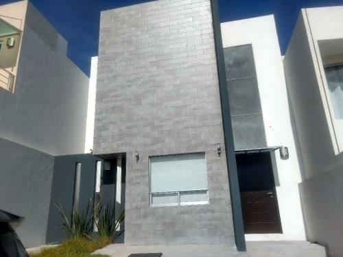 Casa En Renta En Fracc Britania La Calera, Zona La Calera